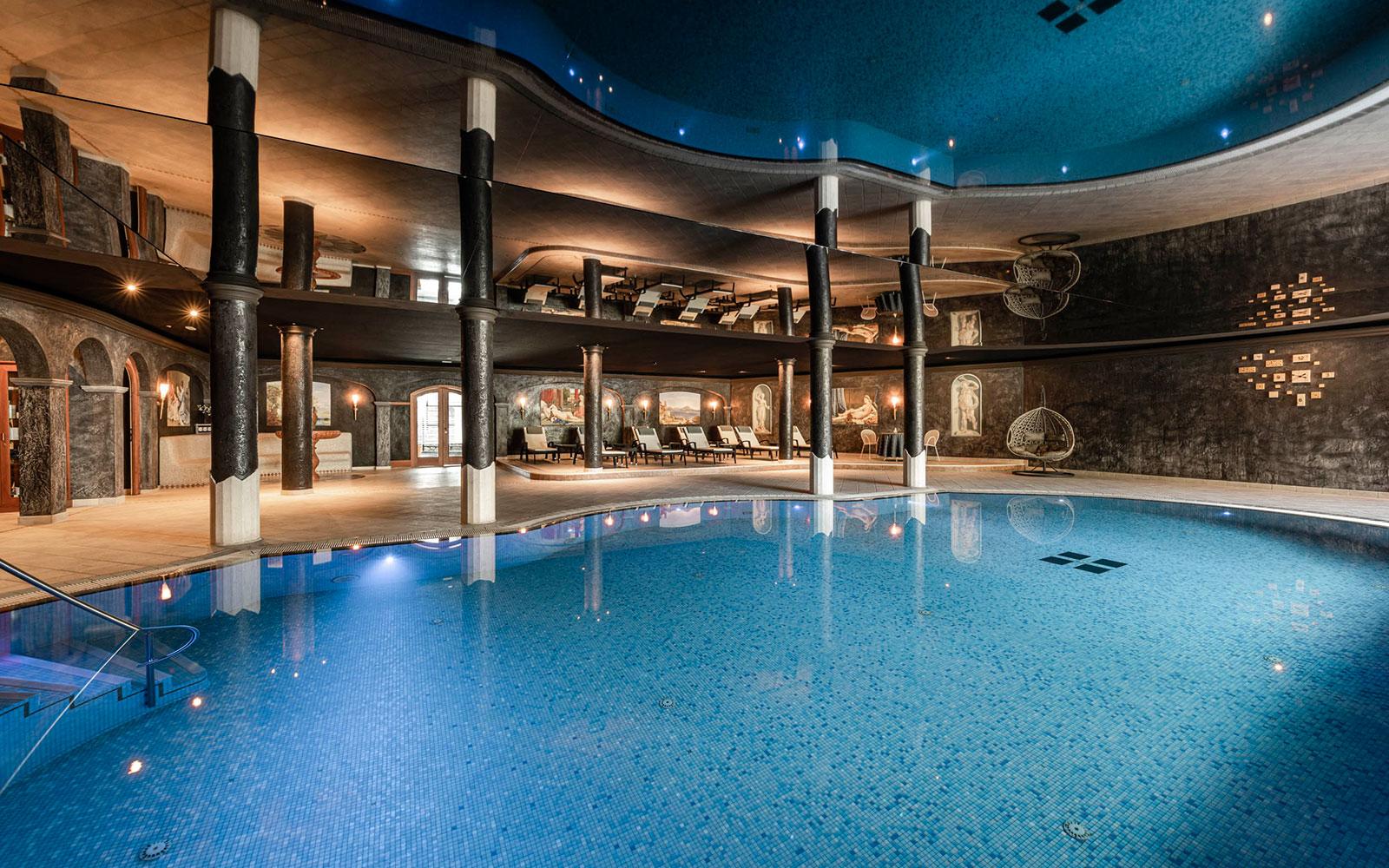 Hotel con piscina in val gardena hotel benessere a selva - Hotel con piscina riscaldata montagna ...